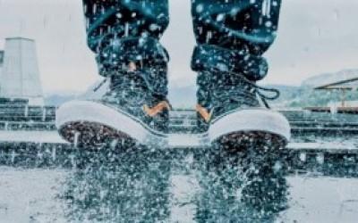 Mẹo khử hôi giày hiệu quả dành cho người bận rộn