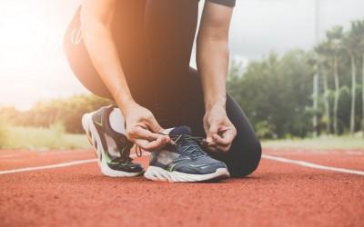 Mùa hè có nên đi giày thể thao không