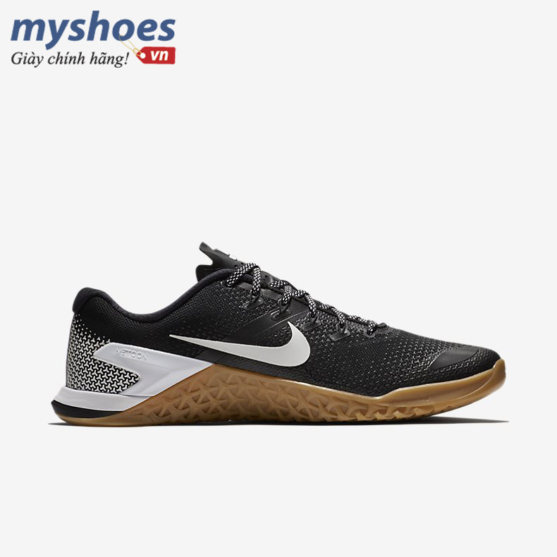 Nike metcon 4 đen trắng